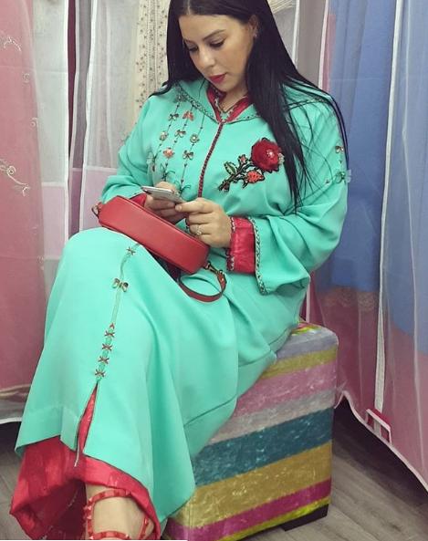 اخر ابداعات الجلابة المغربية بفن الطرز لعيد الفطر