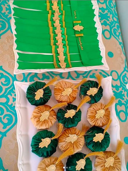 جديد أكسسوارات حفل الحناء بألوان مختلفة وديكورات عصرية