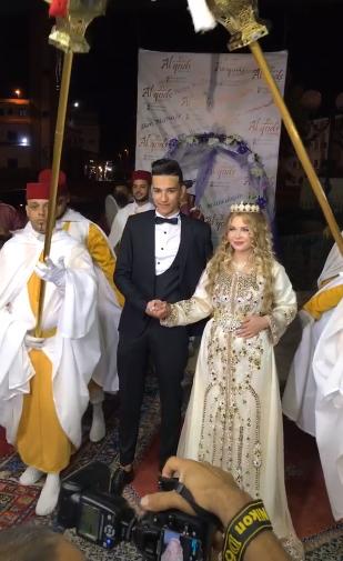 بالصور:شاب مغربي يخطف قلب حسناء روسية