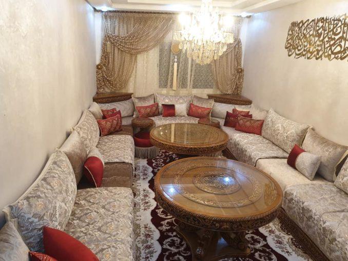 تشكيلة جديدة من الصالونات المغربية بثوب الموبرة المطروز والمنبت
