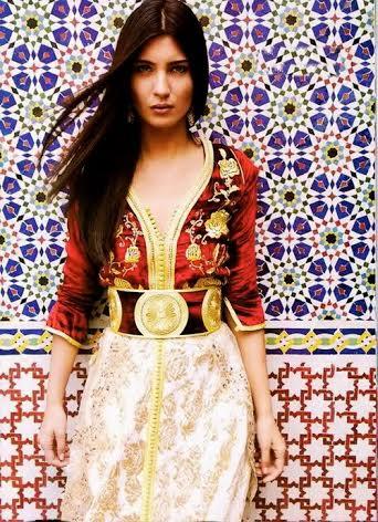 مشاهير تألقن بالقفطان المغربي.. من ضمنهن إيفانكا ترامب وهيلاري كلينتون (صور)