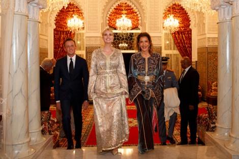 ايفانكا ترامب تتألق بالقفطان المغربي في مأدبة عشاء ملكية