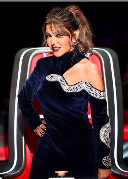 الفنانة سميرة سعيد تخطف الأنظار بفستان جريئ باللون الأسود
