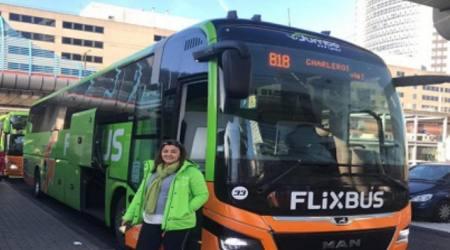 إلهام المغربية أول امرأة عربية تتحدى الرجال وتقود حافلة دولية ببلجيكا (صور)