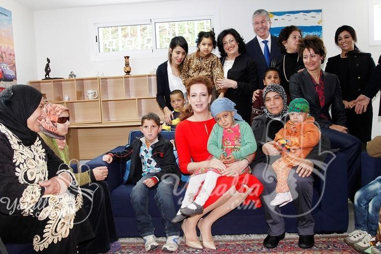 sar_la_princesse_lalla_salma_visite_la_maison_de_l_avenir_-_prevention_et_traitement_des_cancers_-_g