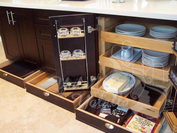 kitchen-cabinets-with-storage