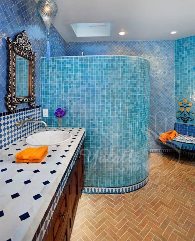 blaue mosaik fliesen badezimmer dusch schnecke orientalisch flair. Black Bedroom Furniture Sets. Home Design Ideas
