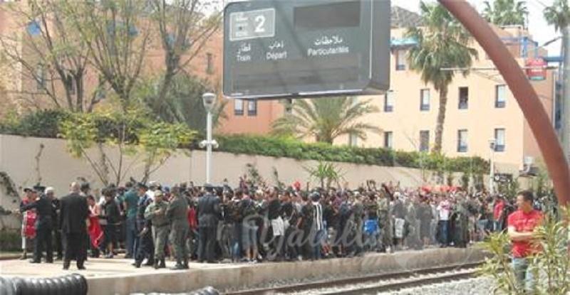 بالفيديو : السيبة ... الاعتداء على ركاب قطار بالسيوف بمدينة فاس