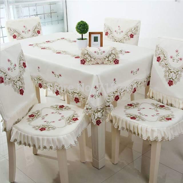 les nappes. Black Bedroom Furniture Sets. Home Design Ideas