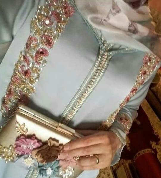 قبل متخيطي شي جلابة للمناسبات ..شوفي هاد الموديلات الجديدة كتحمق