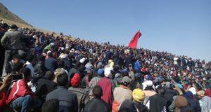 هذا ما وقع لمشعوذ مغربي جمع الاف الأشخاص بسرغينة لاستخراج كنز ضخم