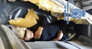 اعتقال أسرة مغربية لتورطها في تهريب شابة بطريقة غير شرعية