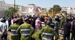 غضب و حرب مندلعة بين السلطات و المواطنين بطنجة عقب هدم منازل عشوائية