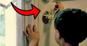 أغلق هذا الطفل باب الحمام بالمفتاح و أمه بالداخل...لن تصدقوا ما حصل له!!