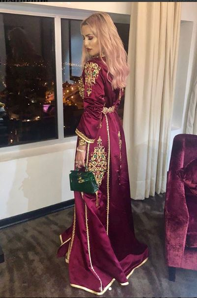 ليلى عزيز زوجة ريدوان تخطف الأنظار بقفطان فاخر في حفل عيد ميلاد غزل ترك