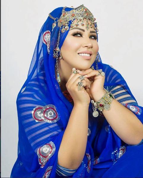 سعيدة شرف تتألق بإطلالة فاخرة بالزي التقليدي الأمازيغي
