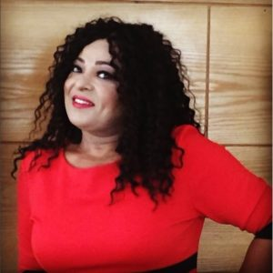الفنانة بشرى أهريش تخطف الأنظار على مواقع التواصل الإجتماعي بلوك عصري جديد