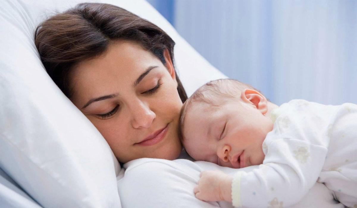 للأمهات الجدد :8 تغيرات لن تتوقعيها تحدث لك بعد الولادة